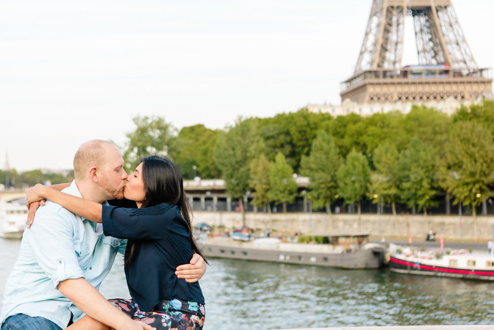 paris photographer surprise proposal eiffel tower bir hakeim engagement