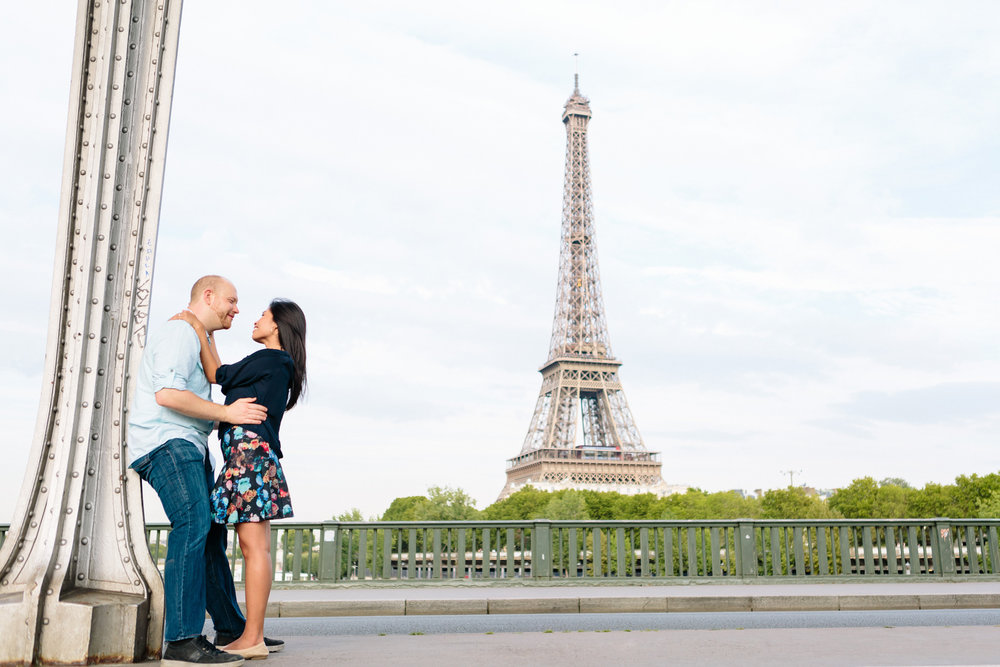 photographer in paris surprise proposal eiffel tower engagement bir hakeim