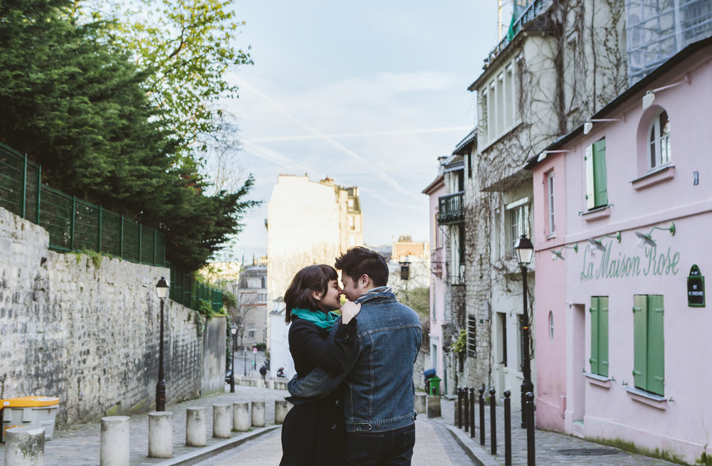 paris photographer surprise proposal portrait by la maison rose in montmartre