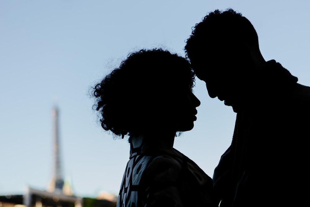 Couple session silhouette portrait captured by Paris Photographer Federico Guendel IheartParis www.iheartparis.fr