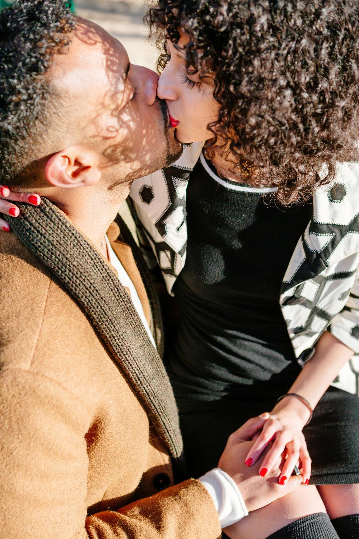 Close up kissing couple session portrait captured by Paris Photographer Federico Guendel IheartParis www.iheartparis.fr