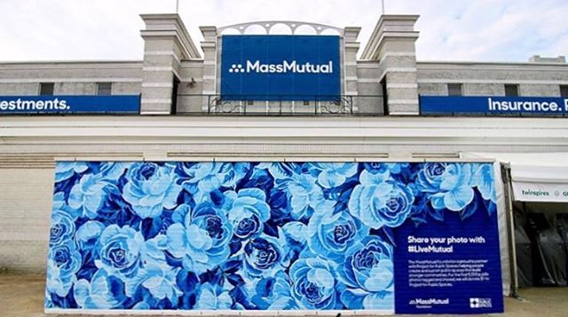 Hello from the #KyDerby! If you're at the track, take a selfie in front of @massmutual's wall and use the hashtag #LiveMutual. For every photo, $1 will be donated to Project for Public Spaces 🐎 regram from our artist @oftenseenrarelyspoken