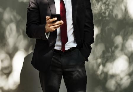 groom-groomsmen-suit-tie.jpg