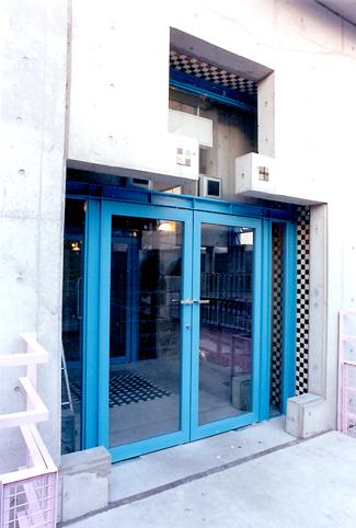 第3NZビル入口.jpg
