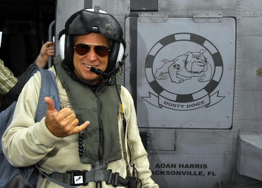 Jimmy_Buffett_Visits_With_USS_Harry_S._Truman_Sailors.jpg