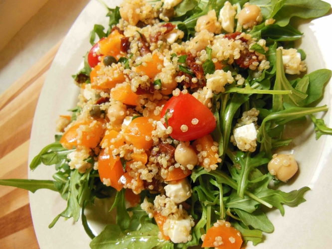 Low-fodmap quinoa salad - The perfect light lunch!