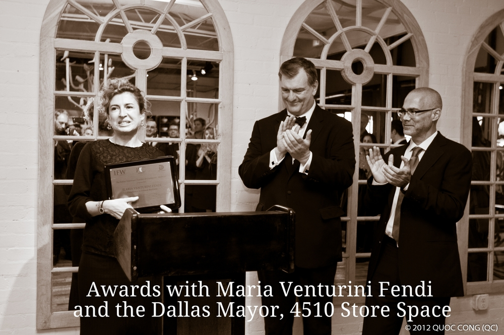 Awards_MariaVenturiniFendi_DallasMayor_4510 StoreSpace.JPG