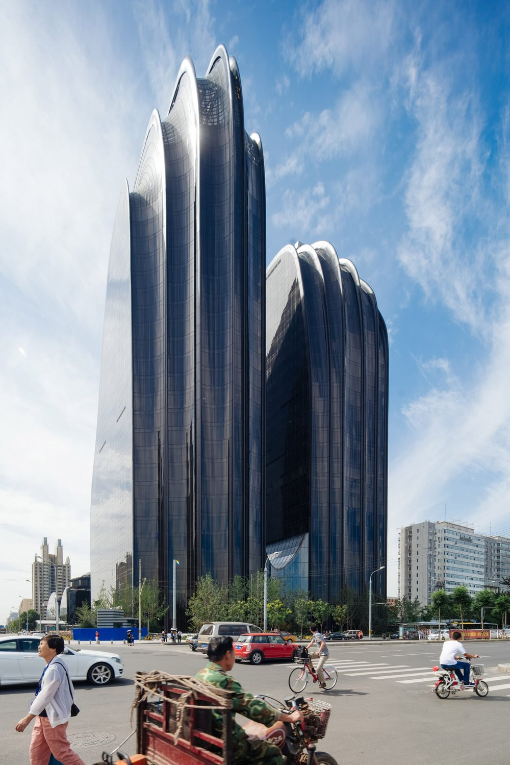 chaoyang-plaza-mad-architects-khoo-guo-jie-architecture-photography-china_dezeen_2364_col_6-1704x2555.jpg
