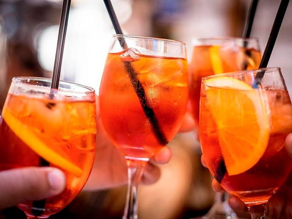 <strong>APEROL</strong>Funk Up Your Spritz