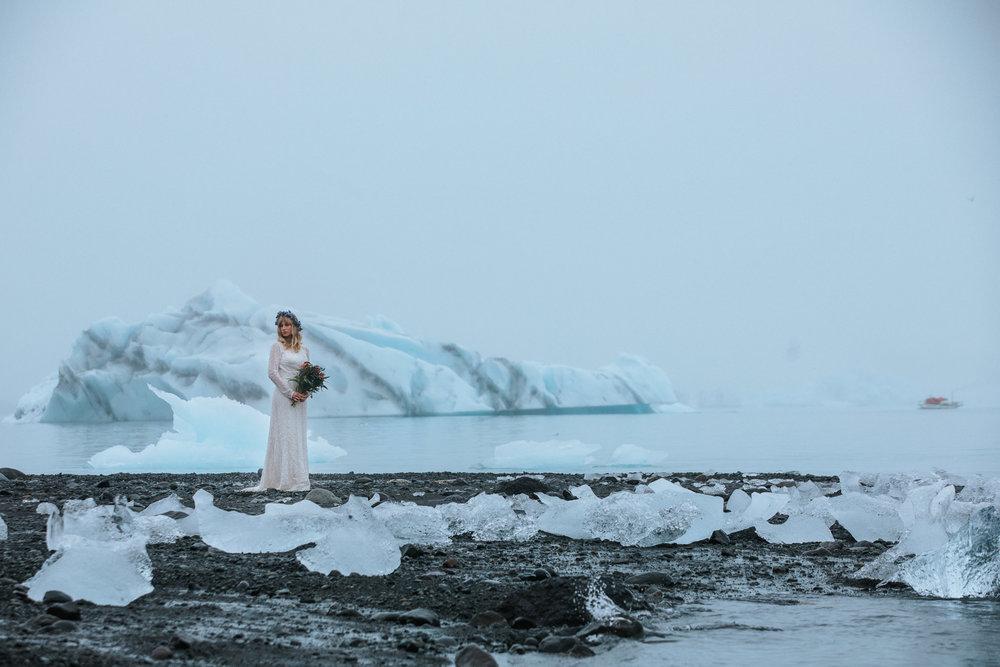 Hochzeitsfotograf-Island-Heidelberg-Mannheim-Wedding-Couple-diamond-Beach-Iceland-3