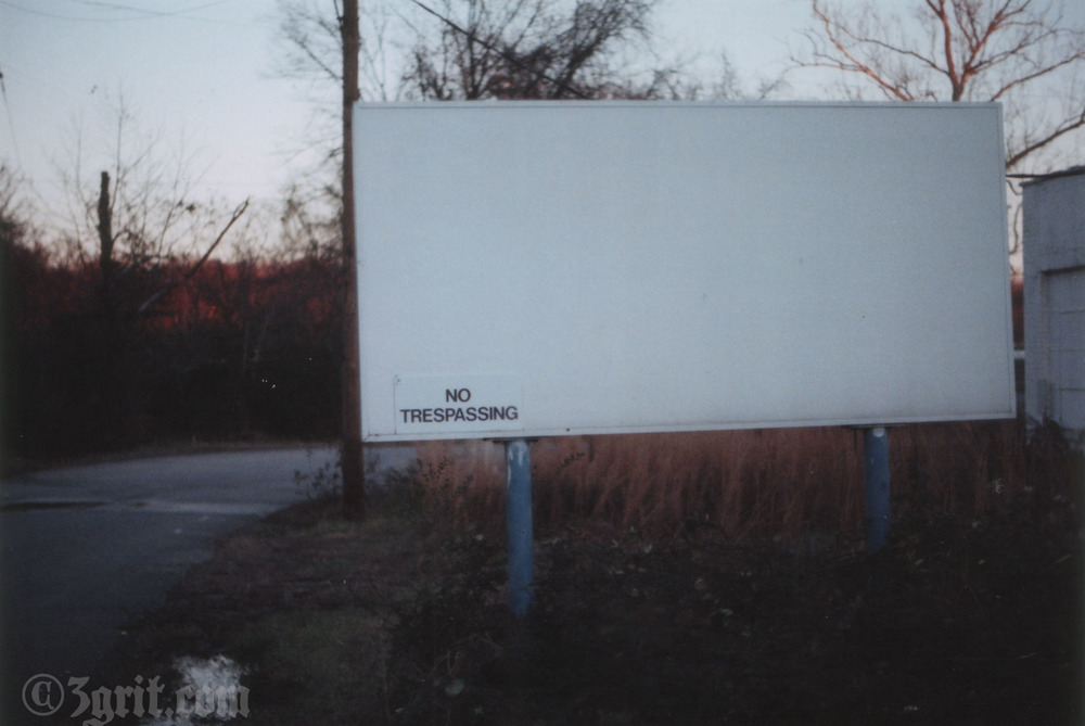 no trespassing.jpg