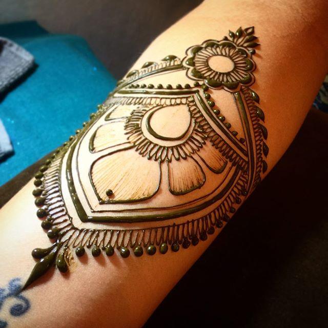 You guys- July is insane. #readyforsabbatical #makearteveryday #magiciseasy #heartfirehenna #henna #mehndi