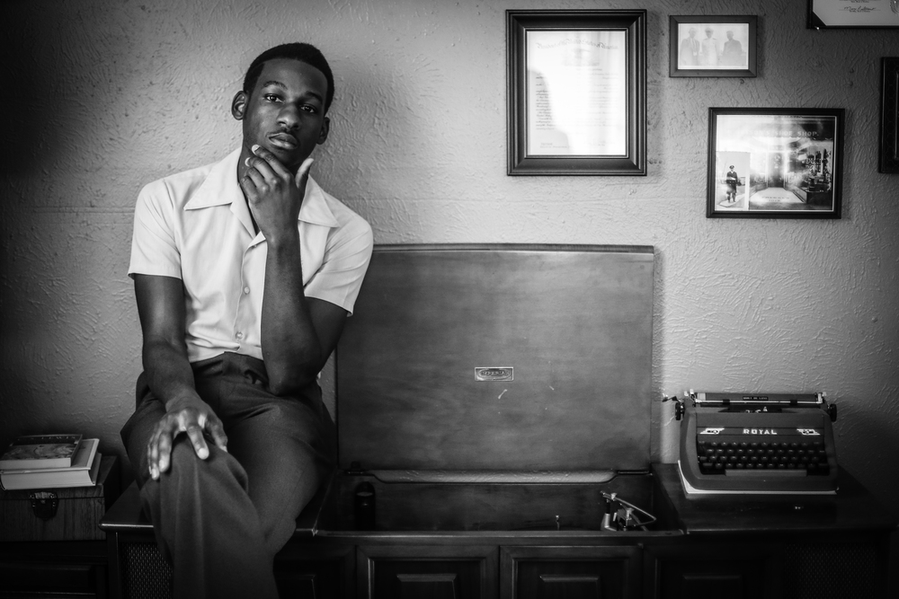 Leon Bridges- record player - photo credit rambo.jpg