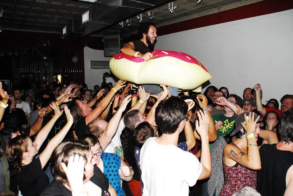 Donut Surfing 2