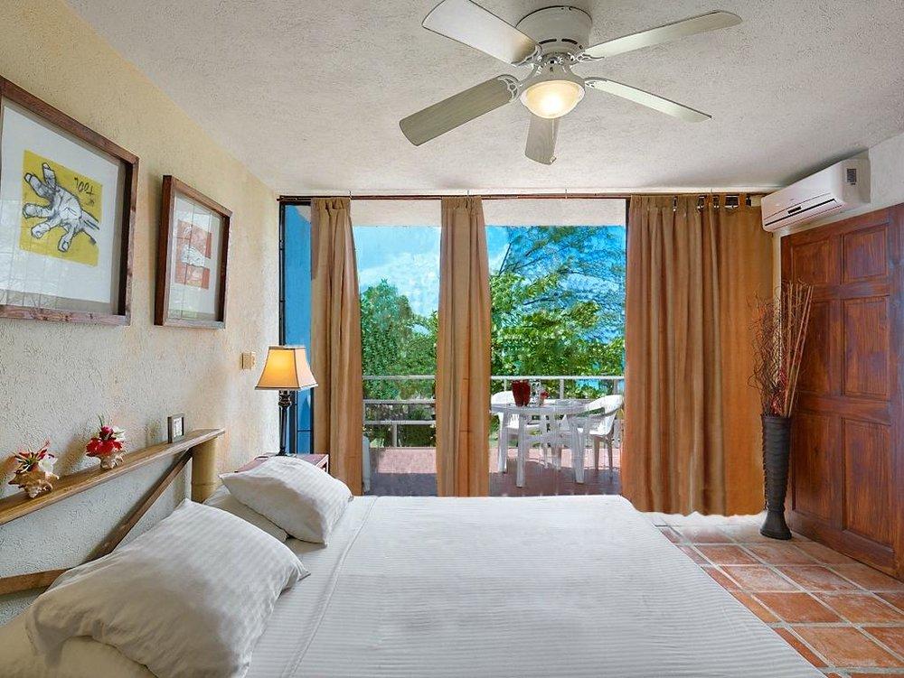 moonraker-beach-hotel.jpg
