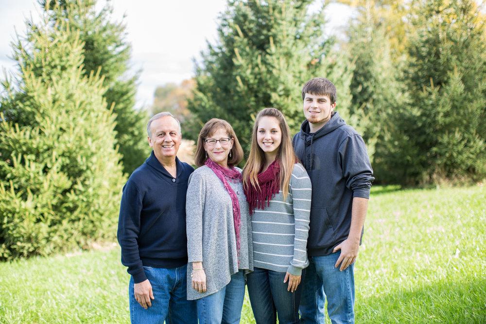 Puentas Family-15.jpg