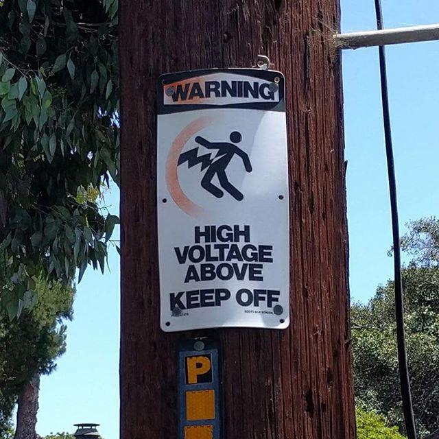LIGHTNING BOLT COCK #pretendingthingsareacock #cock #streetsign #keepoff #ptaac found by @a_littlebitoff