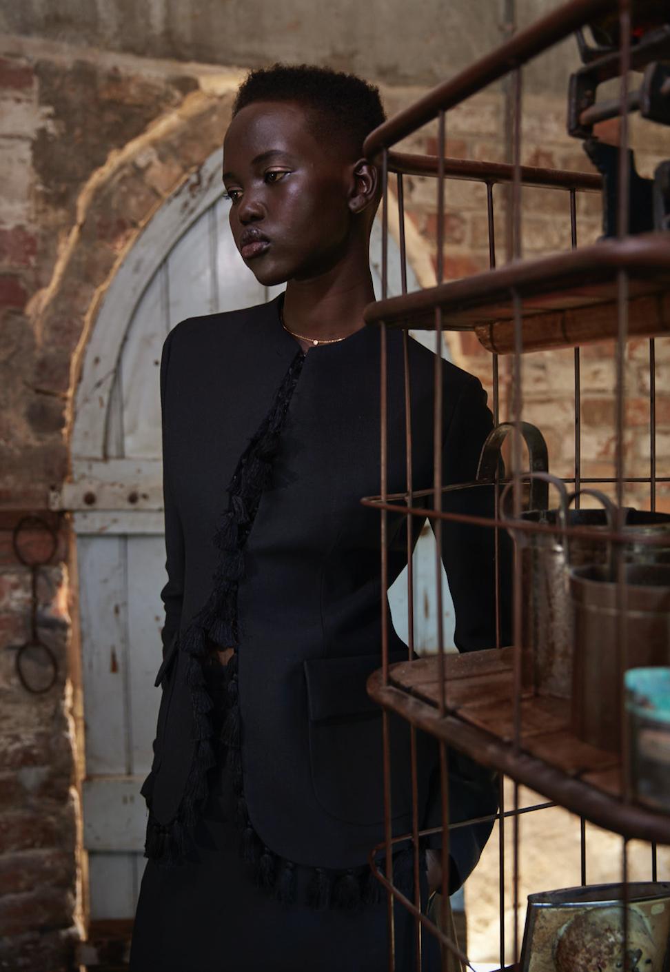 Adut Akech : Christian Dior.png