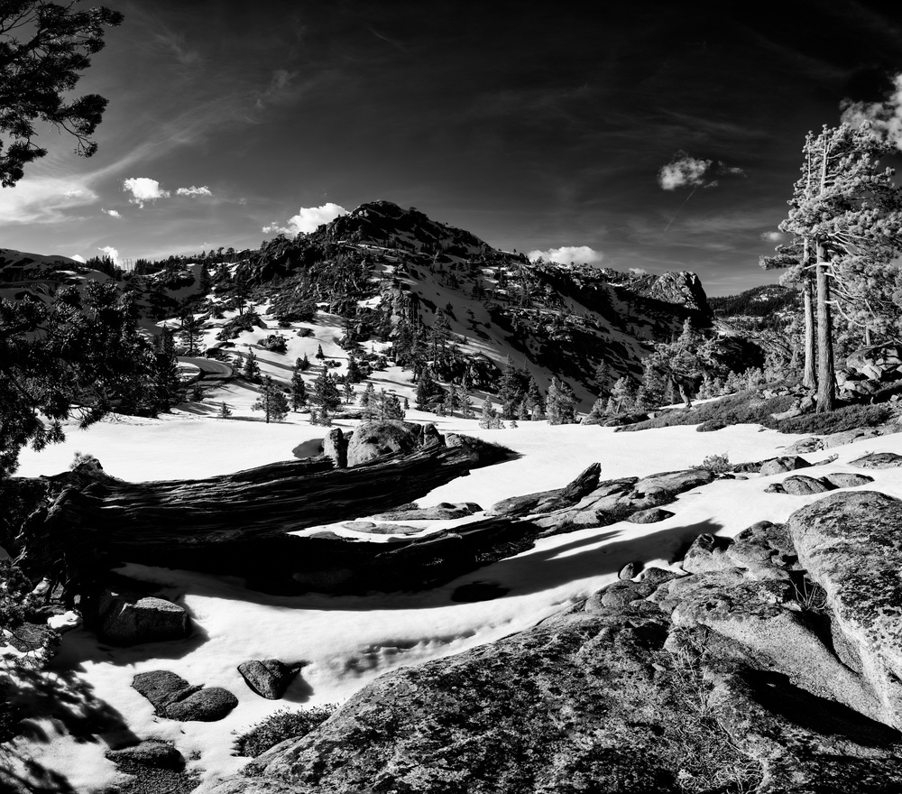 Old Donner Pass snow.jpg