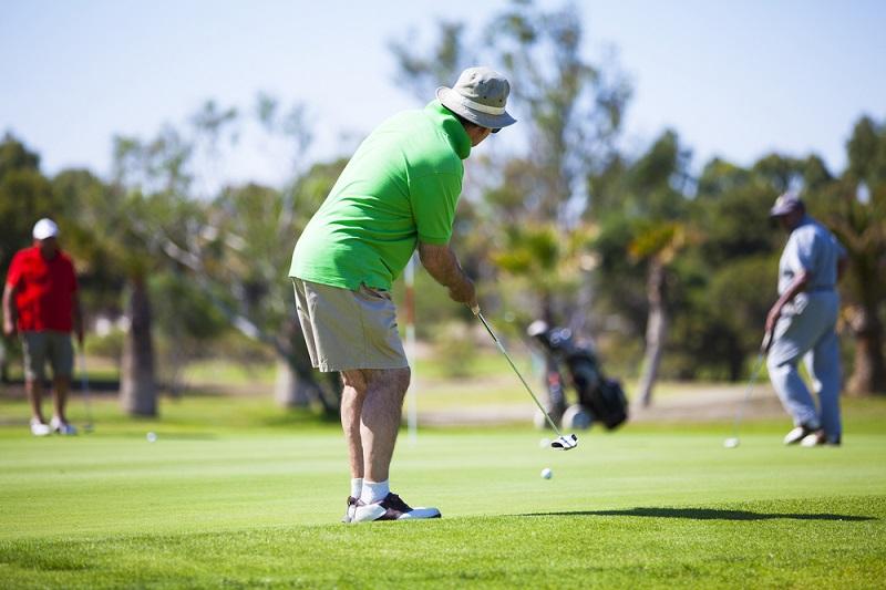Seniors-social-health_golf.jpg
