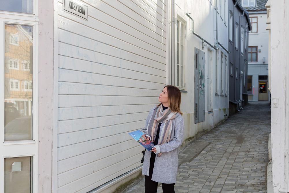 Bli med gjennom gater og veiter i Trondheim sammen med en av våre guider og bli kjent med den spennende byen.