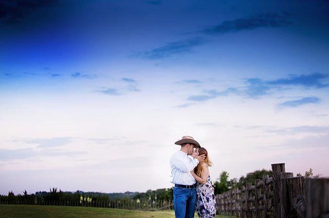 Cowboy take me away! Nicole & Matthew