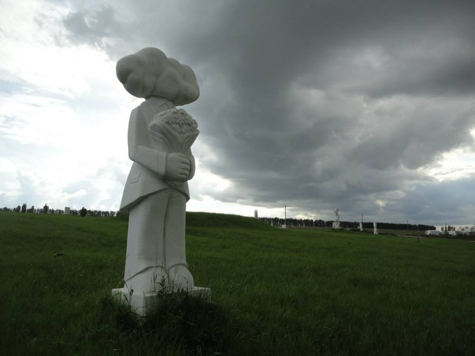 "proposal of marriage.W40""L40""H98.5"".Marble.2011.Penza-Russia"