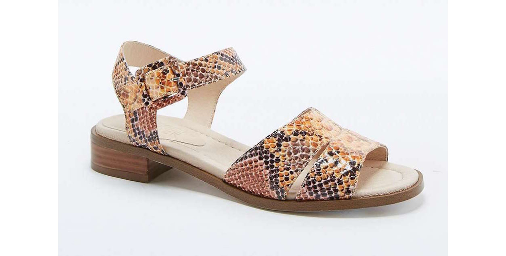 Snakeskinsandals-urbanoutfitters