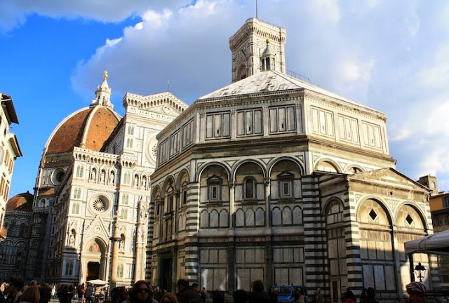 15 -  border photos on follwoing pages- option for first florence package as well.JPG
