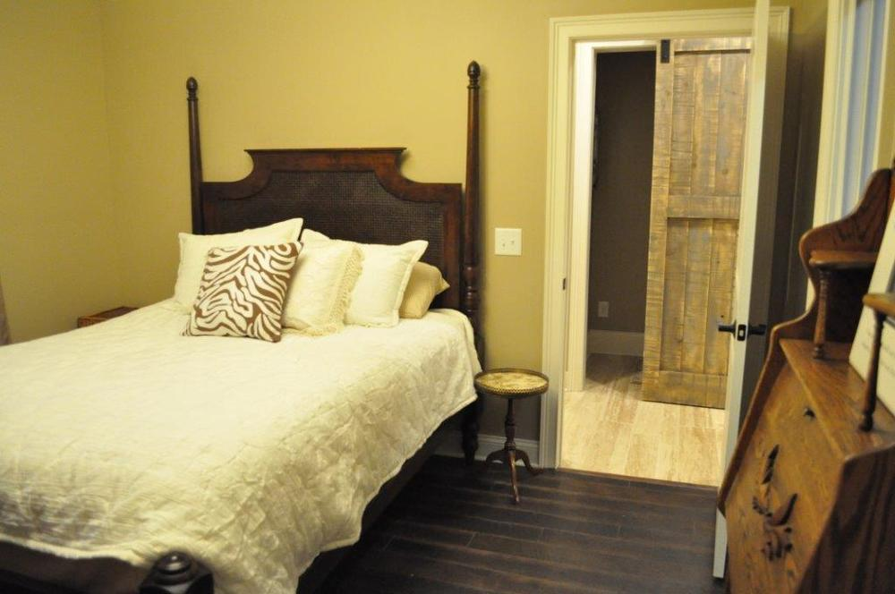 1.bedroom2.jpg