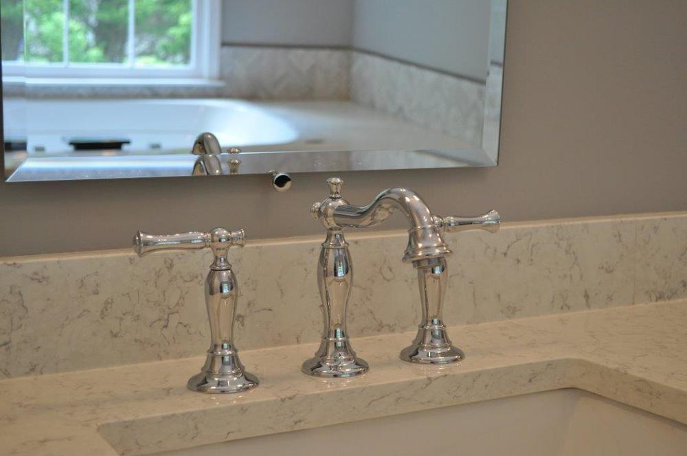 faucet2.jpg