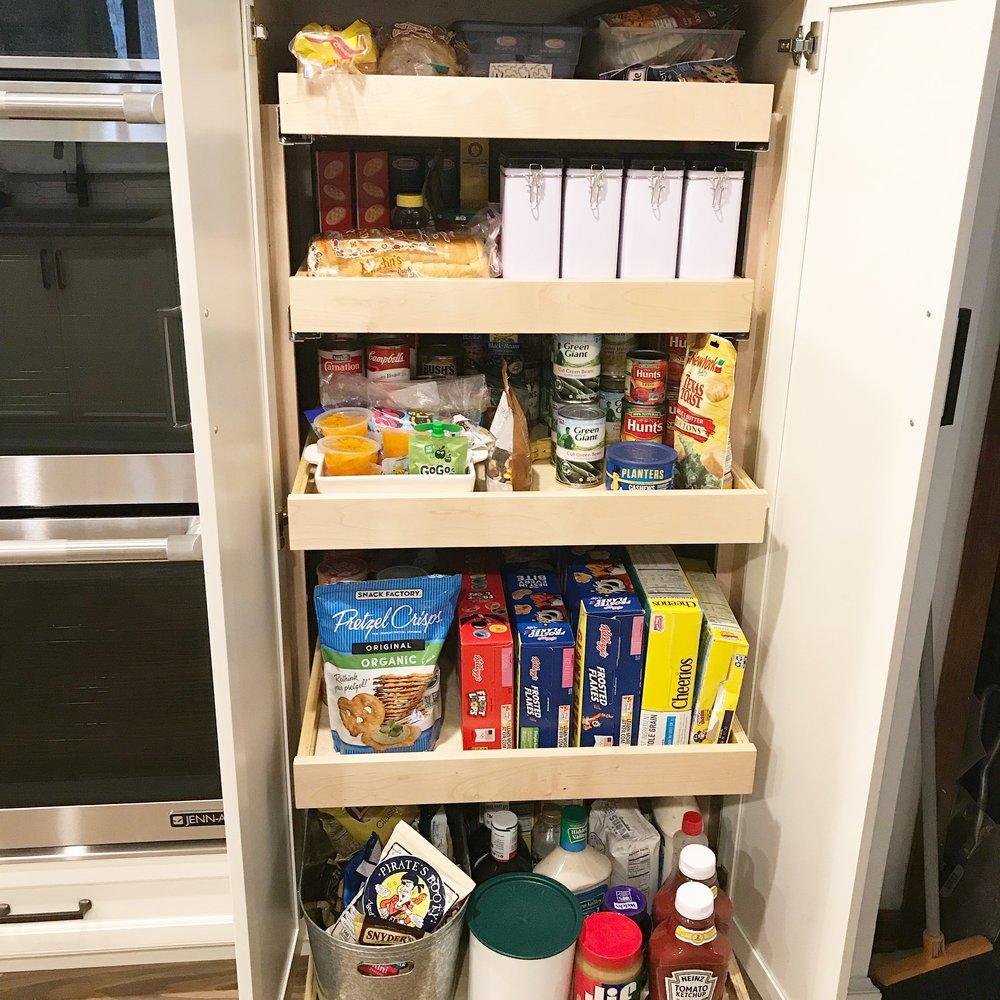 Pull out pantry for optimal organization!!