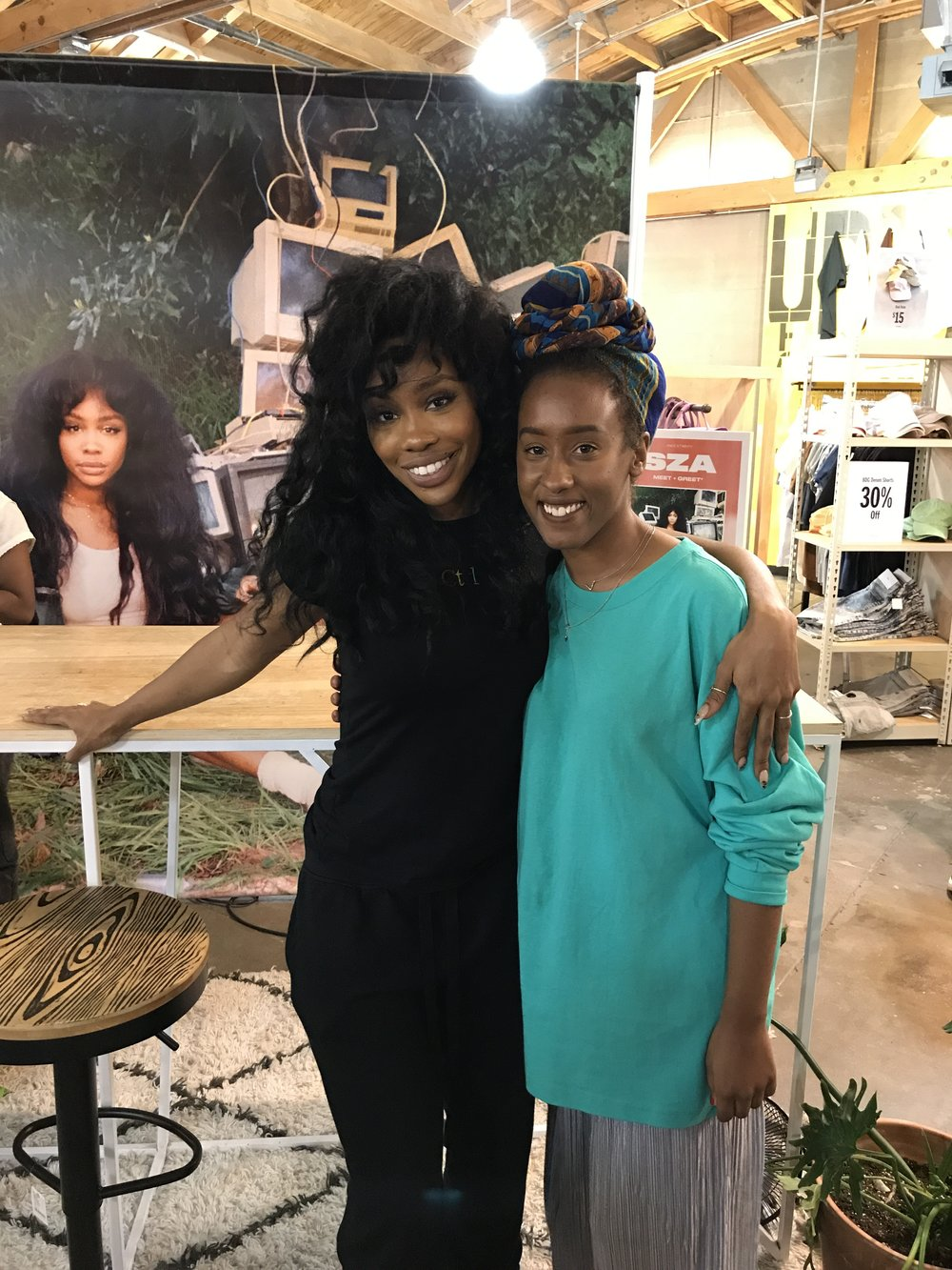 That time i stood in line for three hours to meet sza 808s and exhibiting the type of grace and kindness youd want someone to show but its not always guaranteed in sum meeting sza was well worth the wait kristyandbryce Choice Image