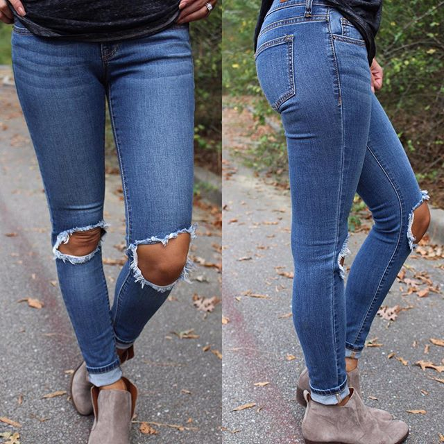 Sarah Skinnies in Medium Wash $45 & free shipping, arriving @ 5pm central! #newarrivals