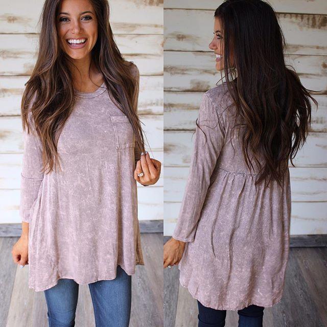 Mineral Wash High Low Top in Mocha restocked!! Shop under new arrivals •• $40 & free shipping! Happy Friday! Sizes S-XL