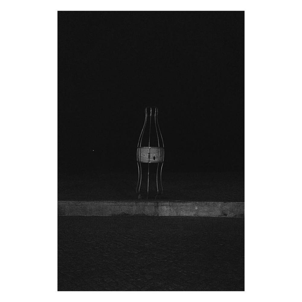 #skeletal #refreshment #coke #cocacola #lisboa #caxias #remains #beach #monochrome #blackandwhite #black #cokebottle