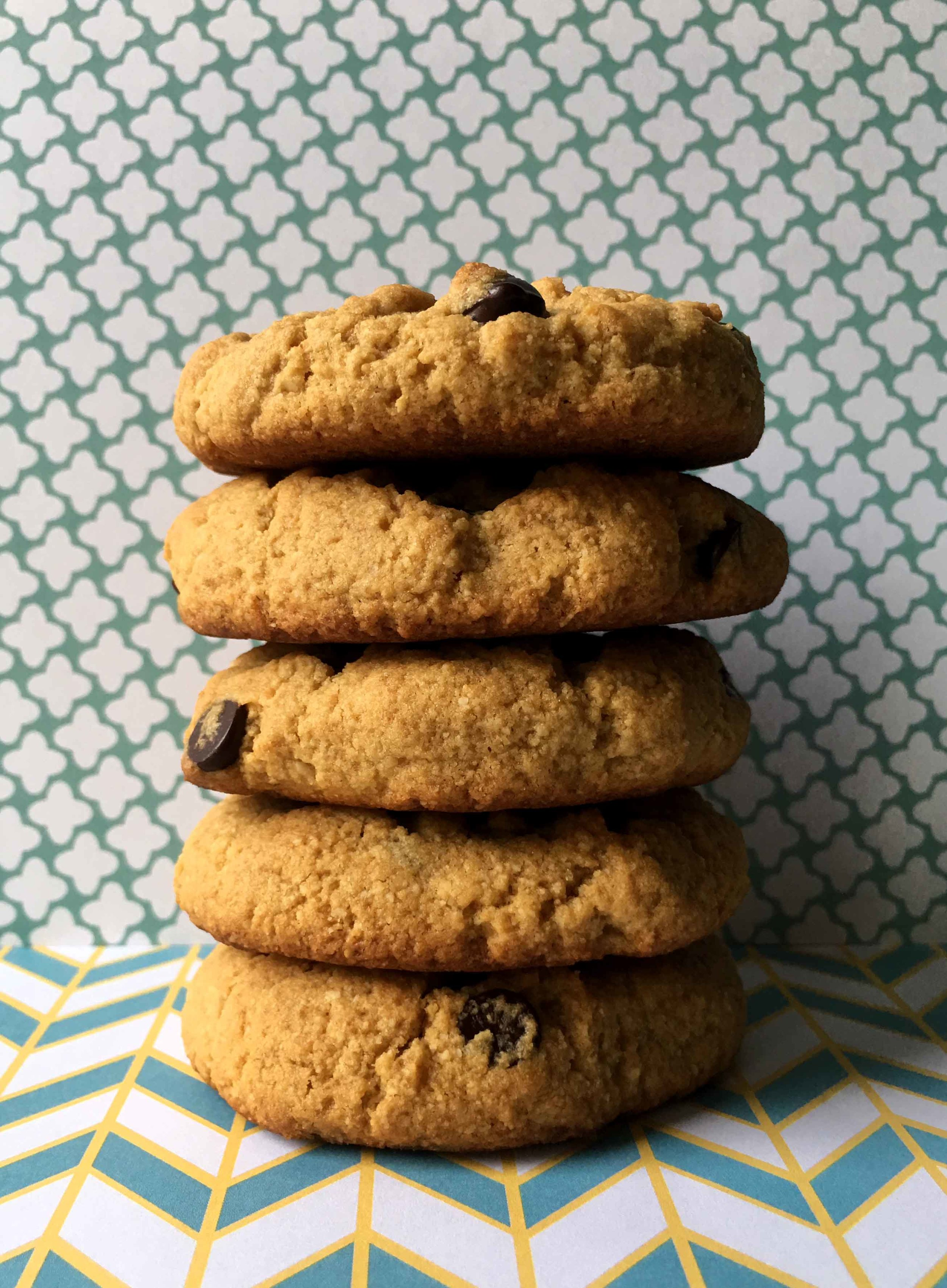 Low Carb Keto Peanut Butter Chocolate Chip Cookies Recipe