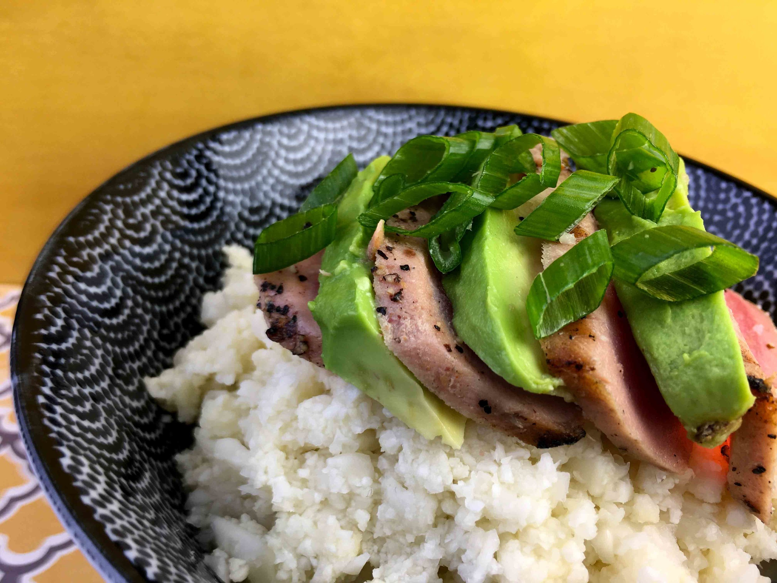 Low Carb Keto Cauliflower Chirashi with Avocado and Seared Tuna Recipe