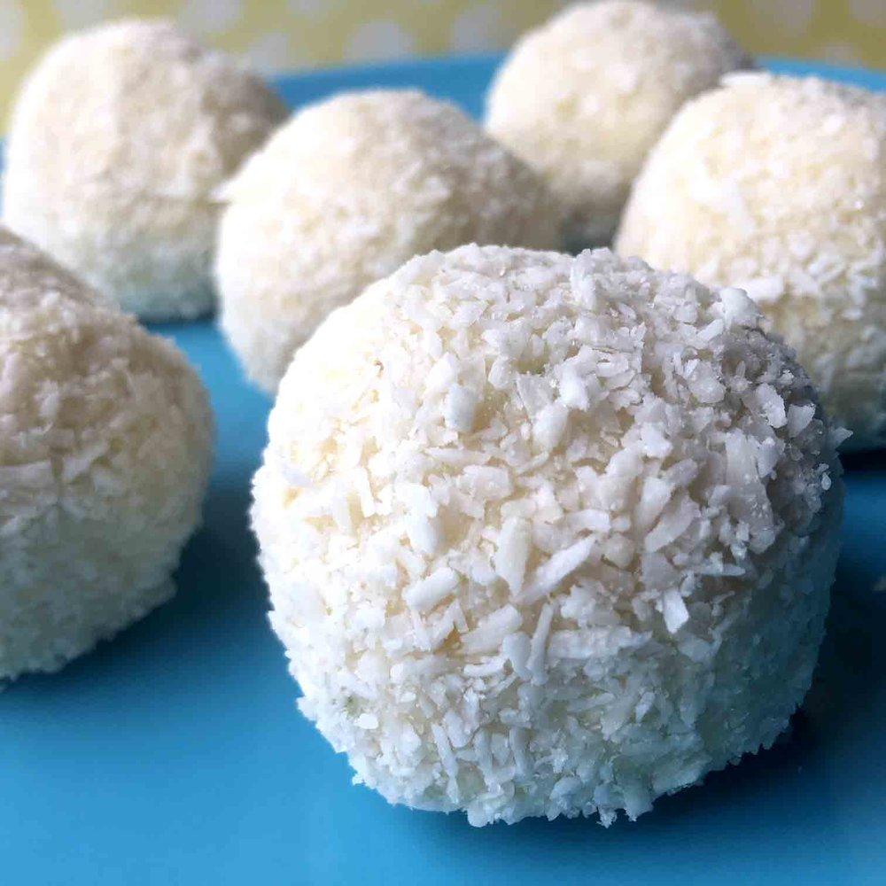 Low Carb Keto No Bake Lemon Lime Bites Recipe