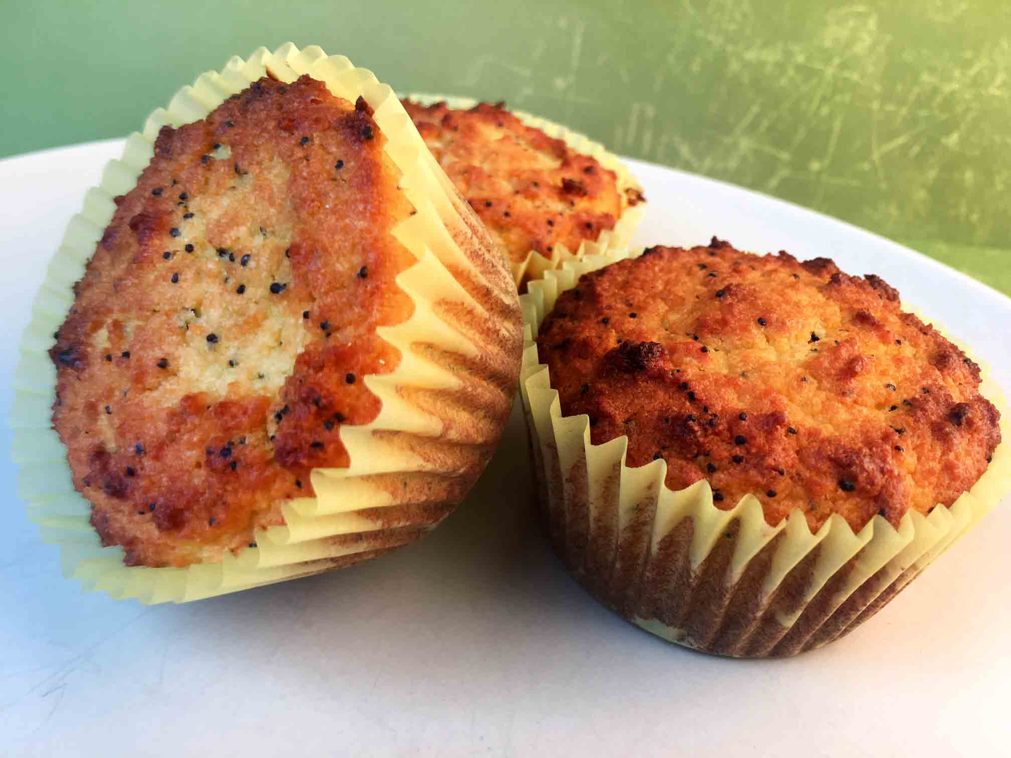 Low Carb Keto Lemon Poppyseed Muffins Recipe