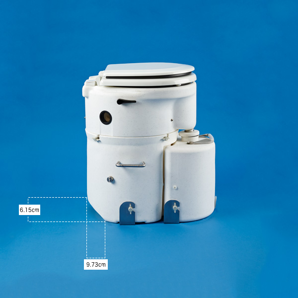 Air Head Marine with hull shaped solids tank