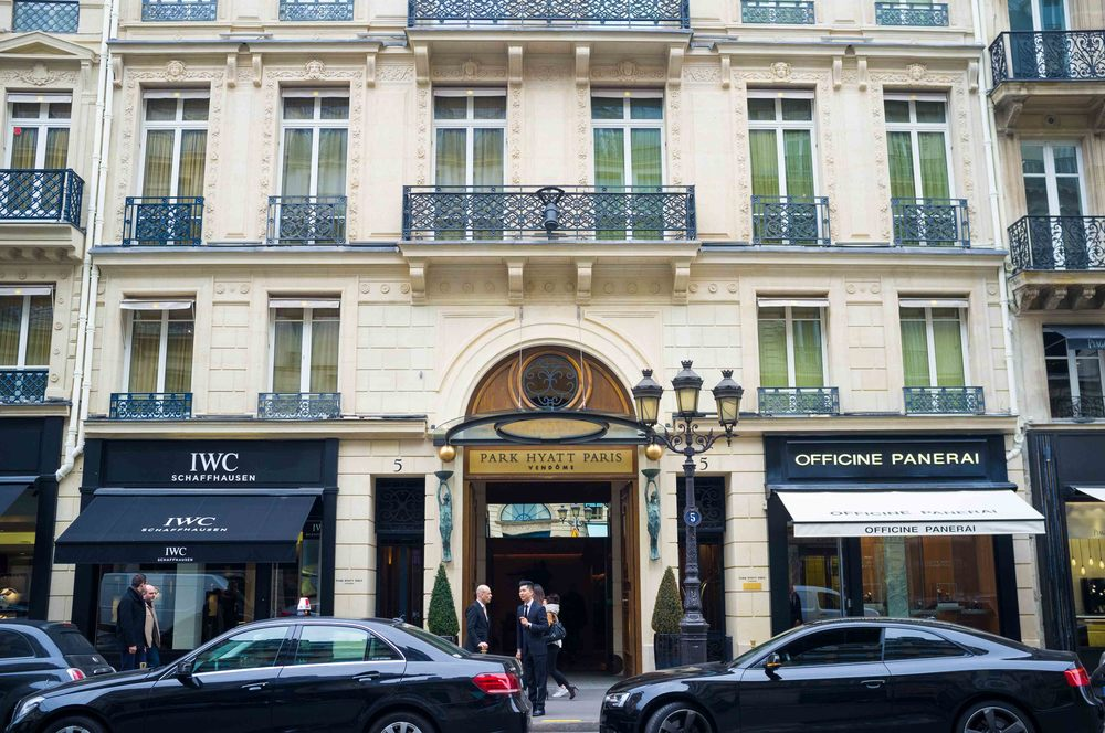 park hyatt paris vend me review a luxury stay in paris now that 39 s a honeymoon. Black Bedroom Furniture Sets. Home Design Ideas