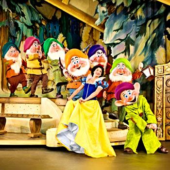 DISNEY LIVE! (Three Classic Fairytales)