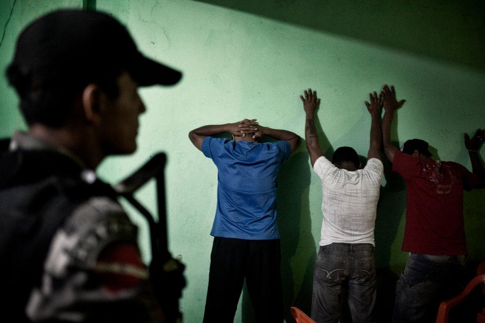 1/12/2012 - Police arresting drug suspects inside a brothel in Altamira