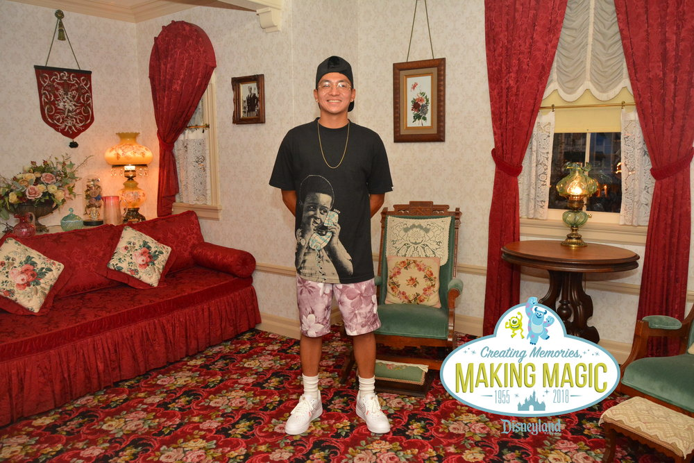 LOCATION: Walt Disney's Apartment - Disneyland, CA