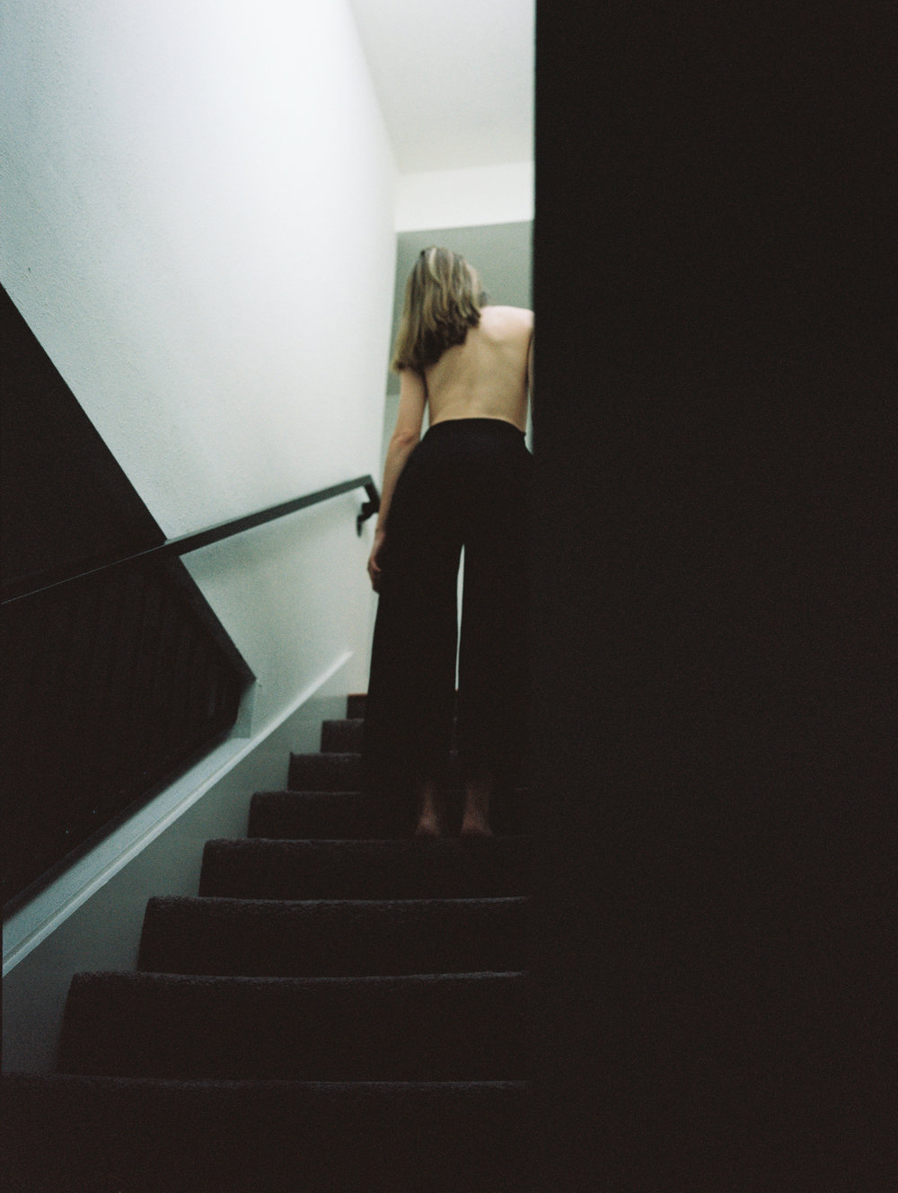 silent stranger (2).  model: Cintrena
