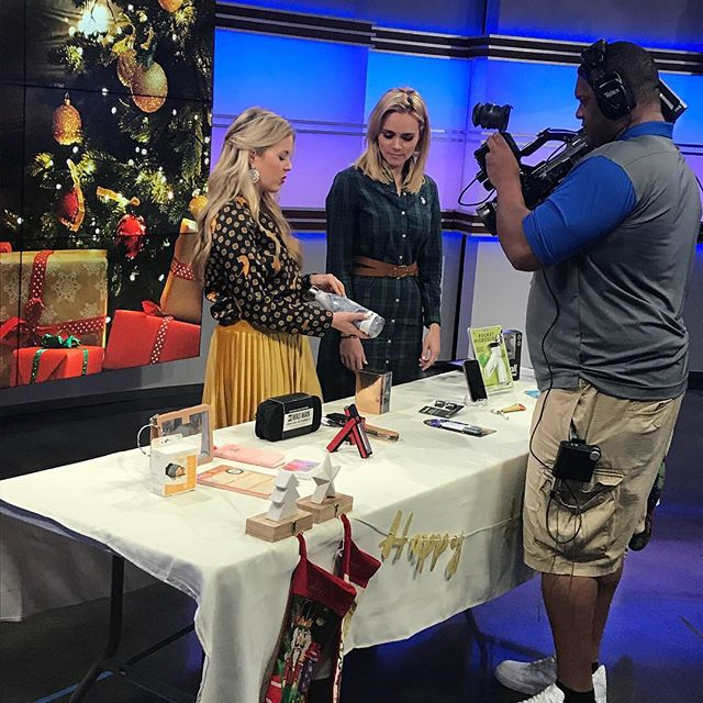 Stocking stuffers for everyone! Watch the latest @itsagreatdaysa segment. Link in bio or watch on fb. #stockingstuffersideas #stockingstuffers #holidays #professionalorganizing #organizedbysarah