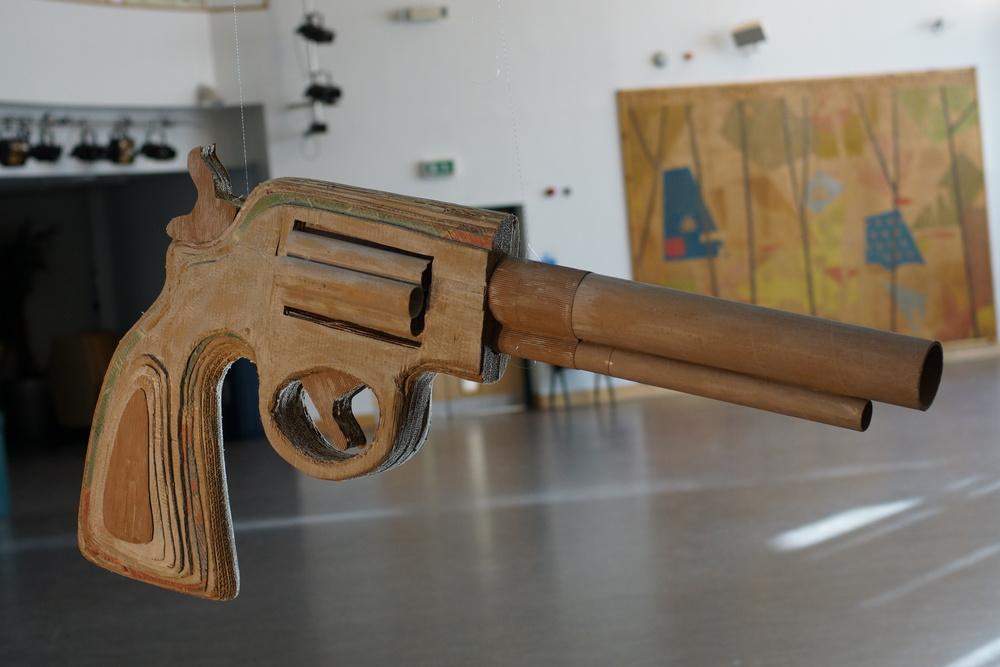 GUN000.JPG