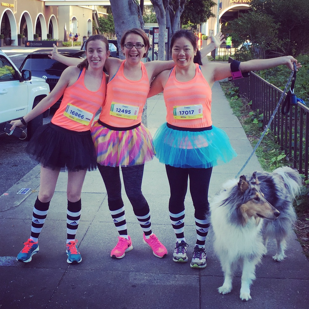 My B2B girls (aren't we cute?) and my beautiful collie (he did NOT run the race, choosing instead to take a leisurely stroll through Golden Gate Park and then bark at the B2B participants as they approached the finish line).