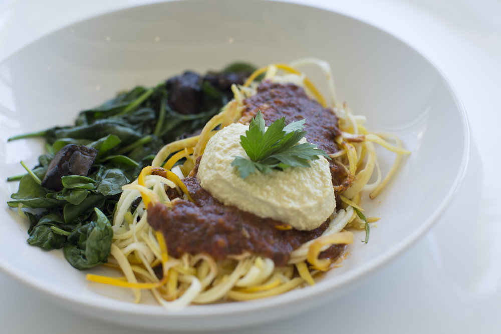 Marinara Bowl- spaghetti squash, zuchinni noodles, sauteed spinach and mushrooms, topped with marianra and casehw cream